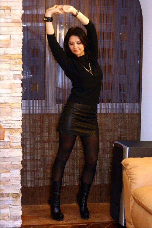 фото девушка кожаная юбка секс в контакте